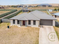 35 Sapphire Crescent, Kelso, NSW 2795