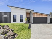 8 Reedy Place, Malua Bay, NSW 2536