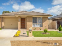15 Carman Loop, MacGregor, ACT 2615