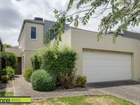 13 Sovereign Manors Crescent, Rowville, Vic 3178