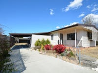 15 Wallangarra Road, Stanthorpe, Qld 4380