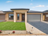 80 Fenway Boulevard, Clyde North, Vic 3978