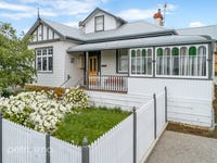 1/16 Wellington Road, Lindisfarne, Tas 7015