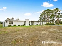 30 Cemetery Road, Toongabbie, Vic 3856