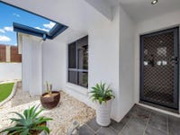 16 Clipper Tce, South Gladstone, Qld 4680