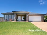 43 Kaloona Drive, Bourkelands, NSW 2650