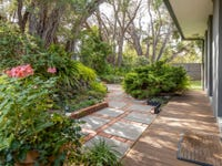 10 Canterbury Jetty Road, Blairgowrie, Vic 3942