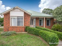 1/61 Charter Road West, Sunbury, Vic 3429