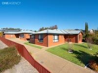 1 & 2 / 9 Osterley Street, Bourkelands, NSW 2650