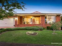 1/3 Wes Crescent, Ferntree Gully, Vic 3156