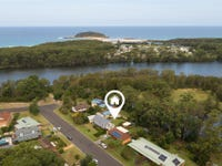 29 Weymouth Road, Lake Tabourie, NSW 2539