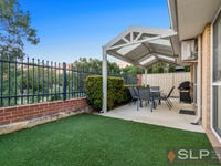 5 Atley Pass, Carramar, WA 6031