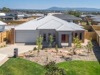 12 Scentbark Way, Gisborne, Vic 3437