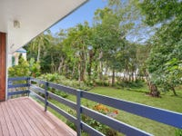 40 Poinsettia Street, Holloways Beach, Qld 4878