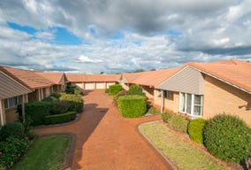 9/9 Glenfield Court, Middle Ridge, Qld 4350