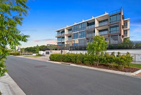 5217/52 Harbourvew, Hope Island, Qld 4212