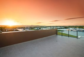 5208/52 Harbourview Drive, Hope Island, Qld 4212