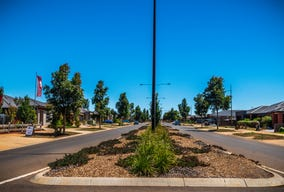 Lot 526m2 Linacre Cres, Titled Land  5% Deposit, Melton South, Vic 3338