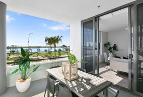 1108/39 Lakeview Promenade, Newport, Qld 4020