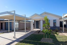 100 Gilchrist Drive, Campbelltown, NSW 2560
