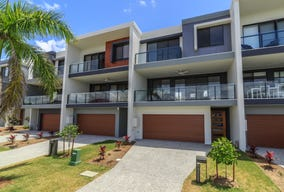 22 Park Cove Boulevard, Hope Island, Qld 4212