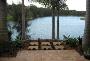 5/ 125 Santa Cruz Boulevard, Clear Island Waters, Qld 4226