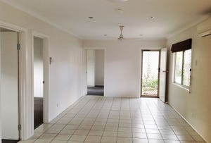 2/213 Mcleod Street, Cairns North, Qld 4870