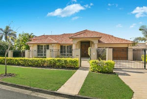 74 Commodore Drive, Paradise Waters, Qld 4217