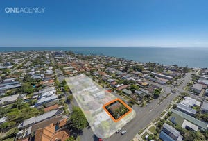 22 Griffith Road, Scarborough, Qld 4020