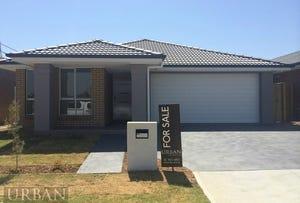 5 Sugarloaf Crescent, Colebee, NSW 2761