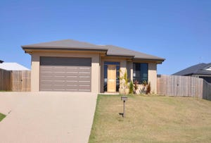 3 Hook Court, Sarina, Qld 4737
