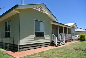 12 Bakerfinch Crescent, Roma, Qld 4455