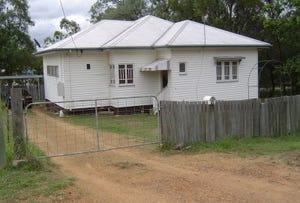 73 Middle Street, Esk, Qld 4312