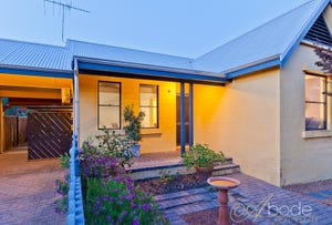 10 Bay Patch Street, East Fremantle, WA 6158