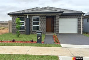 10 Wallara Green, Jordan Springs, NSW 2747
