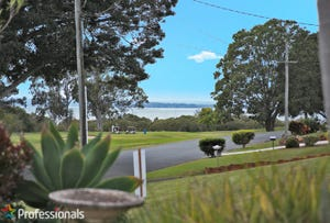 6 Cane St/16 North St, Redland Bay, Qld 4165