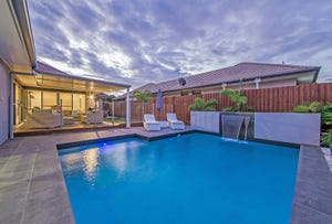 10 Esk Crescent, Wakerley, Qld 4154