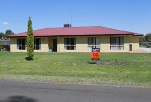 34-36 Lachlan Street, Hillston, NSW 2675