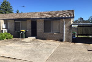 2/36 Blackett Avenue, Young, NSW 2594