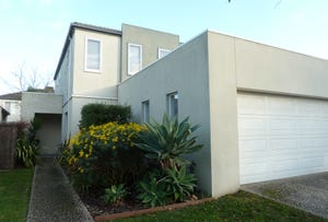 97 Sovereign Manors Crescent, Rowville, Vic 3178