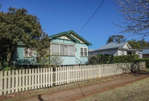 316 South Street, Harristown, Qld 4350