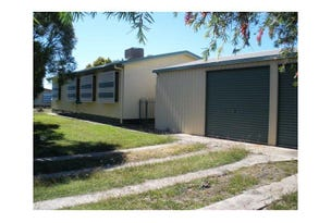 1 Maple Street, Blackwater, Qld 4717