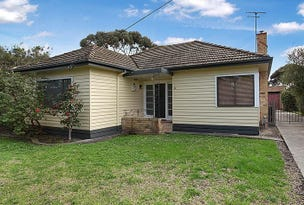 10 Rosshire Road, Newport, Vic 3015
