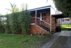 8 Laws Drive, Bega, NSW 2550