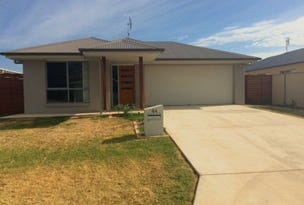 44 Ellem Drive, Chinchilla, Qld 4413