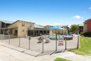 2 & 4/83 Varsity View Court, Sippy Downs, Qld 4556