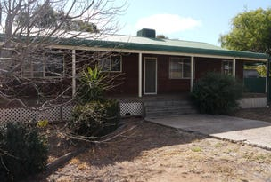 111 WATTLE CRESCENT, Narromine, NSW 2821