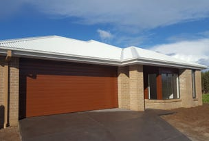 19 Curlew Way, Cowes, Vic 3922