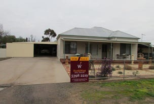98 Government Road, Warracknabeal, Vic 3393