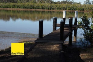 698 Walkers Point Road, Walkers Point, Qld 4650